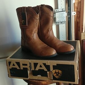 New Ariat Boots!